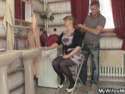 Русское порно сын возбудился и виебал мать